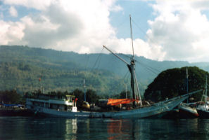 Cargo Phinisi at Alor