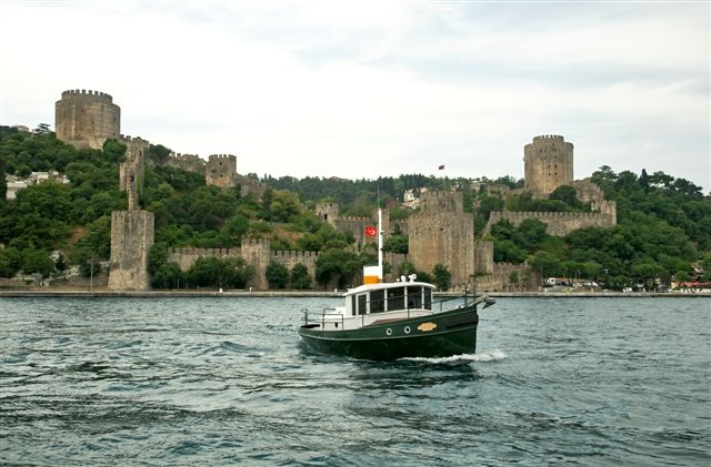 32' Tug Yacht - TERRIER on the Bosporus, Turkey.
